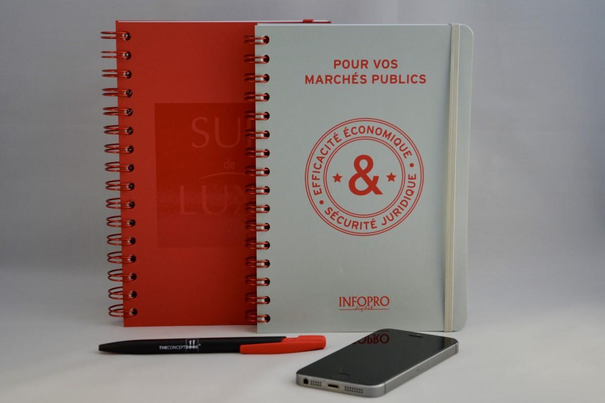 cahiers personnalisés tendance rouge et gris