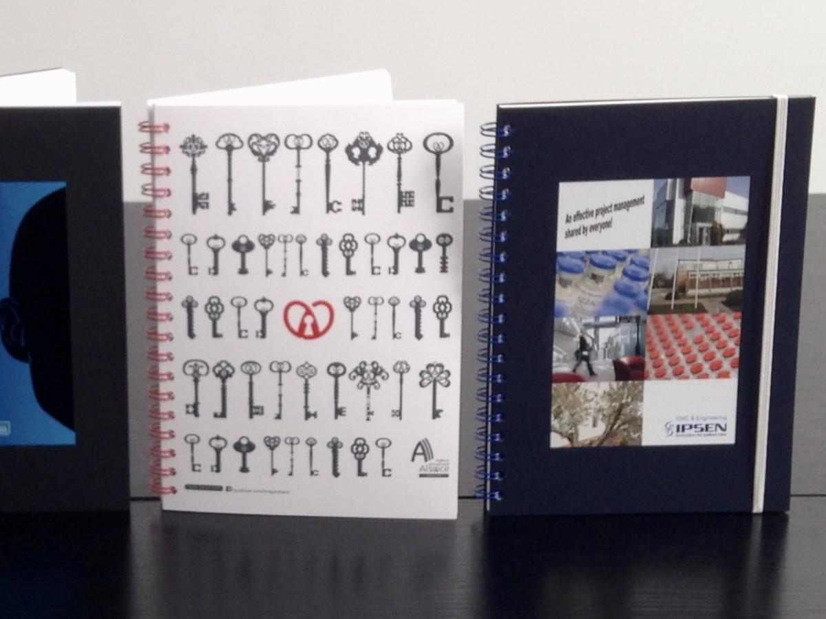 grand cahier personnalisable pour bureau et réunion