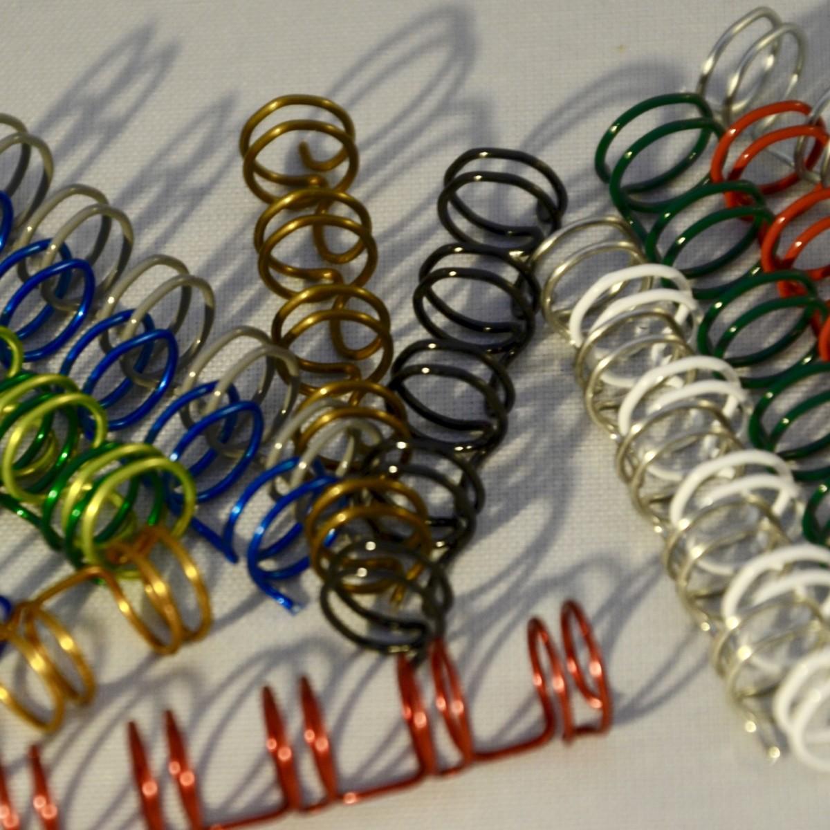 des reliures double spirale de toutes les couleurs