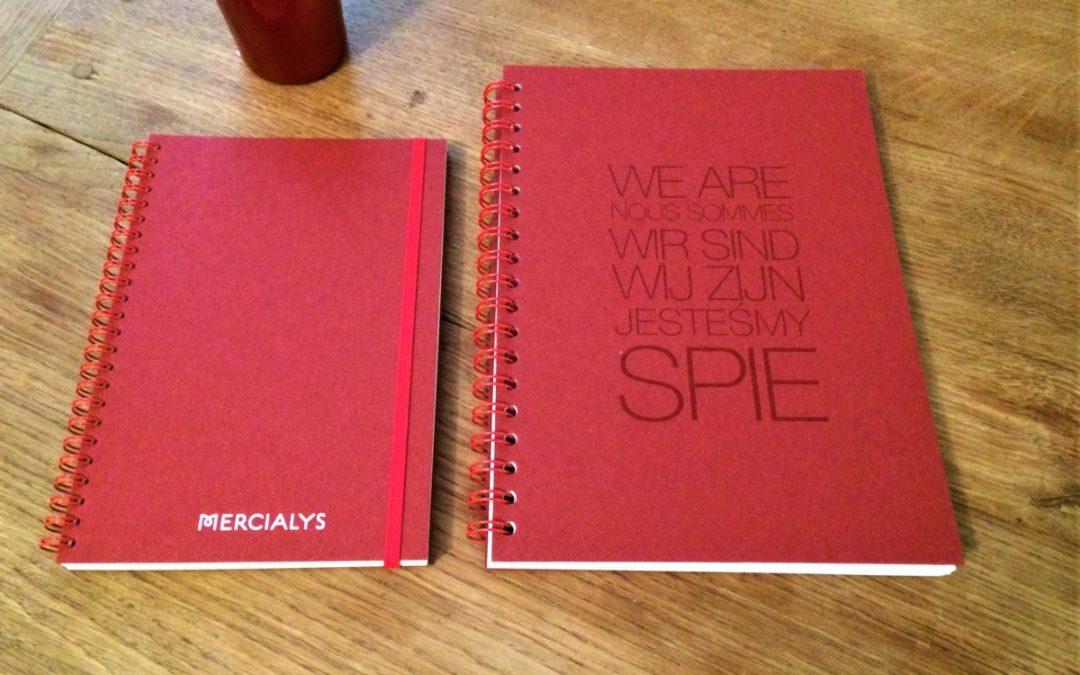 carnet personnalisé : tendance rouge…